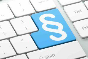 Tastatur mit Paragraphen im Markenrecht drauf