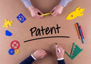 Zwei Männer beim Patent