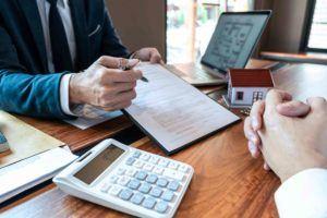 Übergabevertrag wird vom Mandanten geprüft