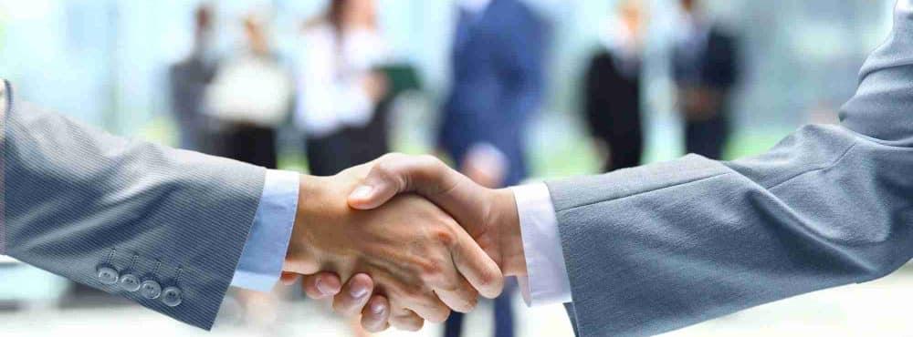 Geschäftlicher Handschlag